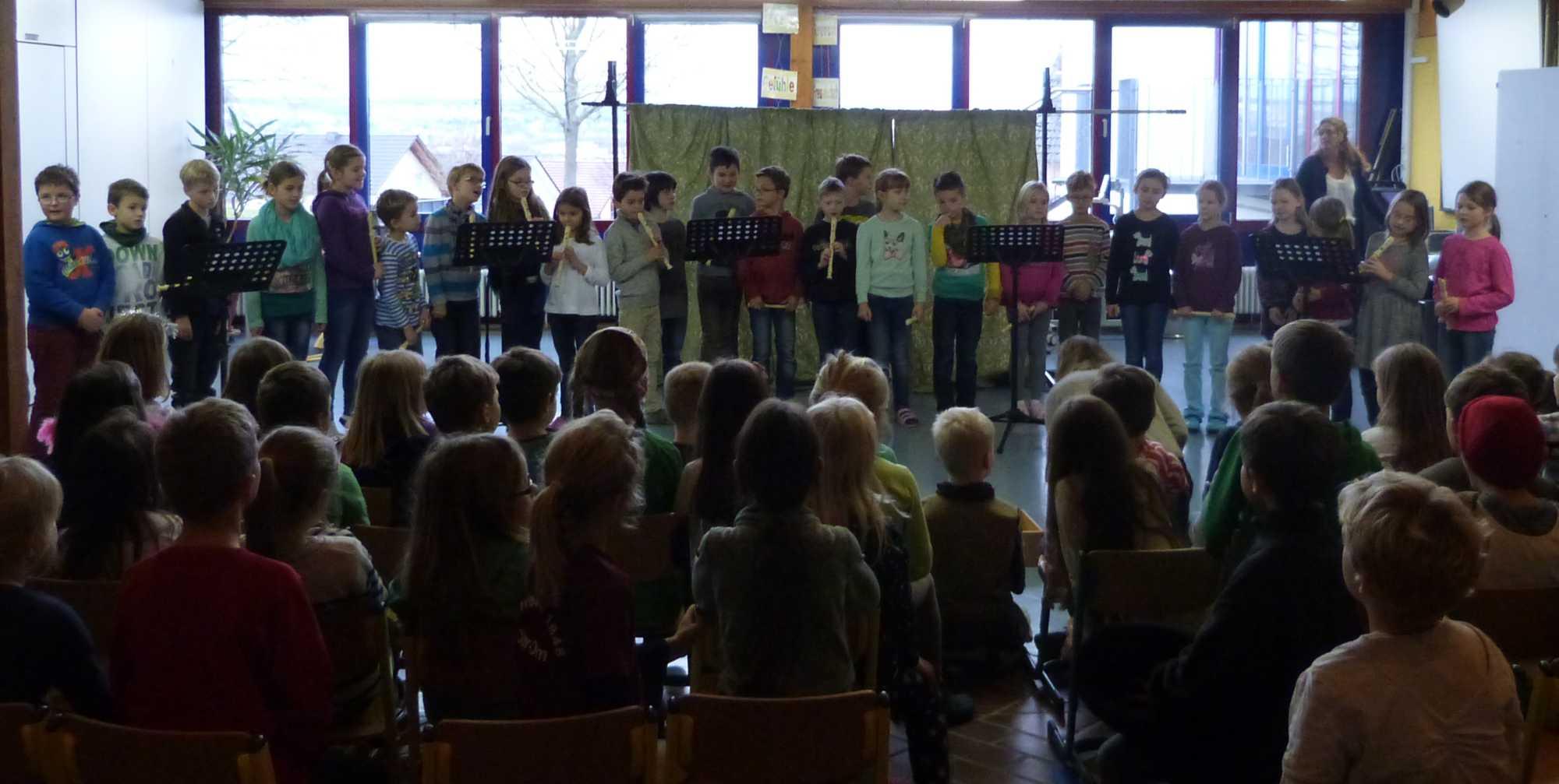 2014.12.19. Schulversammlung Flötenstück 2. Klassen