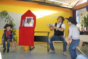 2016.01.29. LeseTheater Michael Hain - Cowboy Klaus Klasse 1b 04