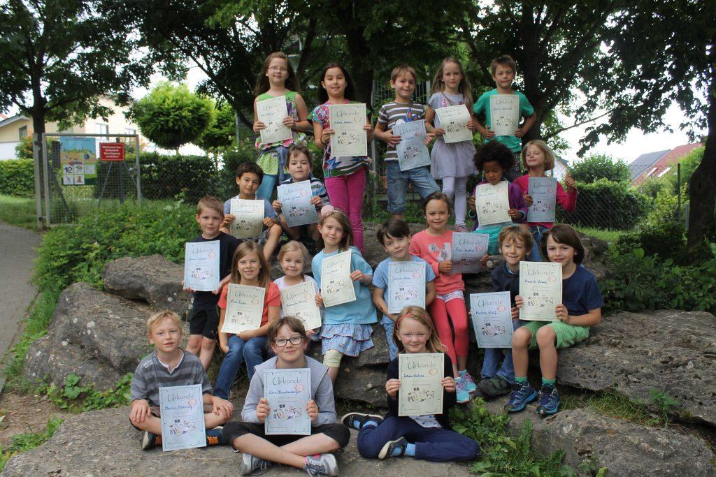 2016.06,25 Büchereibesuch Klasse 1b 01