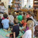 2016.06,25 Büchereibesuch Klasse 1b 05